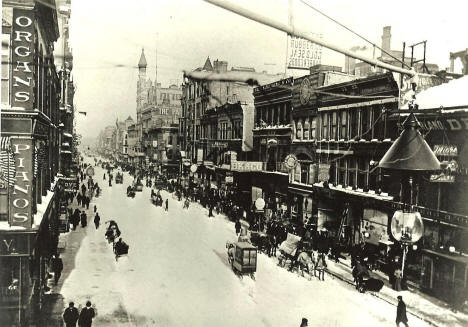 Nicollet Avenue looking north from 5th Street, Minneapolis Minnesota, 1895