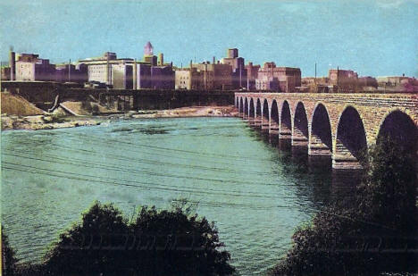 Stone Arch Bridge and view of Downtown Minneapolis Minnesota, 1905