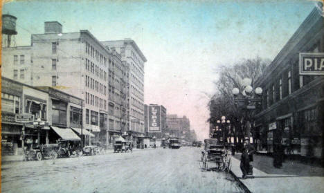 Hennepin Avenue from 9th Street, Minneapolis Minnesota, 1910
