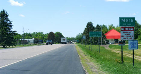 Entering Mora from the east on State Highway 23, 2007