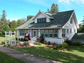 Hillcrest Hide-Away Bed and Breakfast, Lanesboro Minnesota