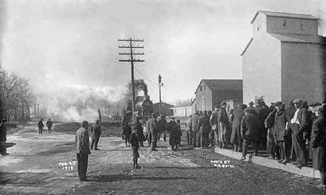 Train pulling into station, Albany Minnesota, 1918