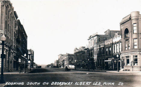 Looking south on Broadway, Albert Lea Minnesota, 1930's(?)