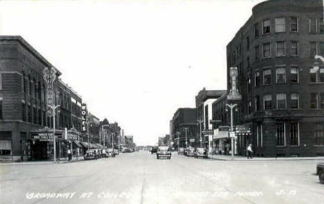 Broadway at College Street in Albert Lea Minnesota, 1945