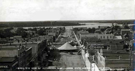 Birds-eye view of Alexandria from Sixth Avenue looking north during carnival, 1907