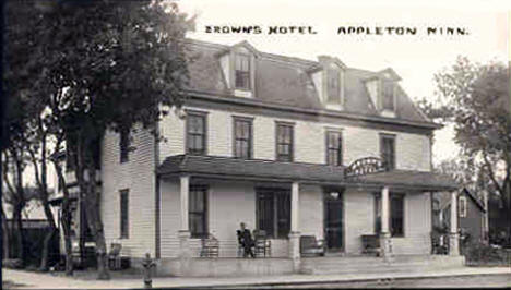 Browns Hotel, Appleton Minnesota, 1912