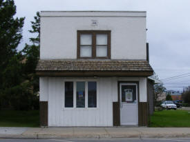 Barry's Little Hair House, Baudette Minnesota