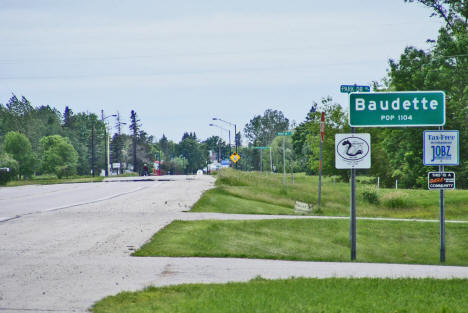 Entering Baudette on State Highway 11, 2009