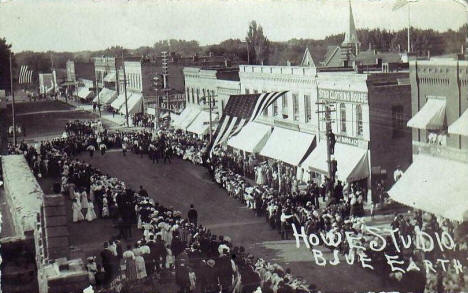 Parade, Blue Earth Minnesota, 1910's