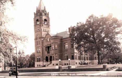 Court House, Blue Earth Minnesota, early 1930's?