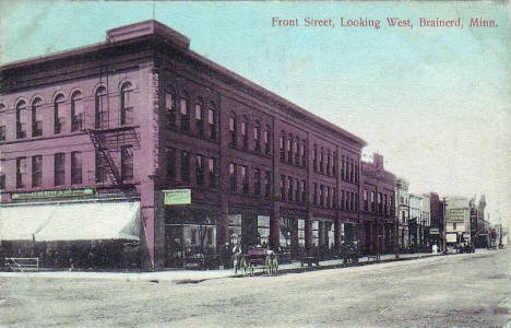 Front Street looking west, Brainerd Minnesota, 1909