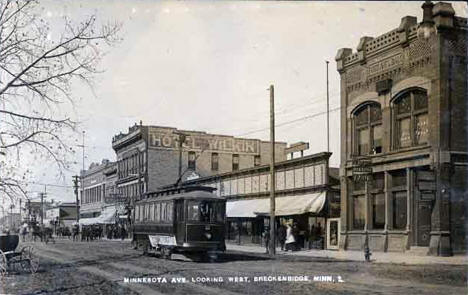 View of Breckenridge looking west down Minnesota Avenue, 1918