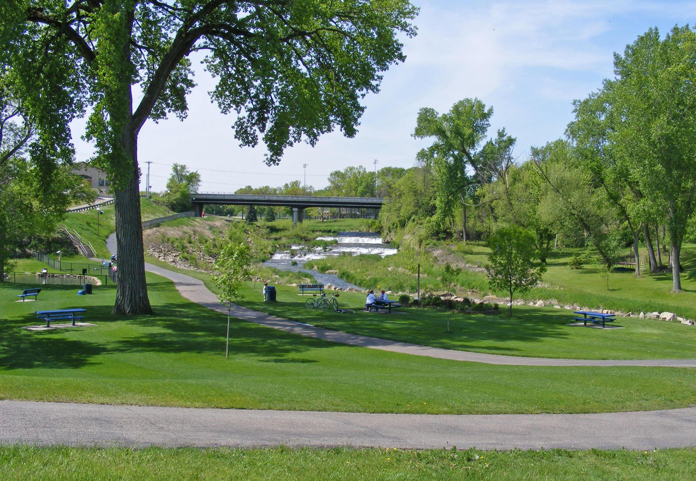 cannon falls Cannon falls è una città degli stati uniti d'america, situata in minnesota, nella contea di goodhue in questa città il gruppo musicale dei nirvana ha registrato l.