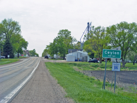Population sign, Ceylon Minnesota, 2014