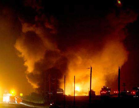 Oil pipeline blaze near Clearbrook Minnesota, November 2007