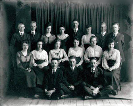 Class portrait of Clinton High School, Clinton Minnesota, 1919