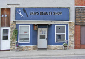 Skip's Beauty Shop, Deer River Minnesota