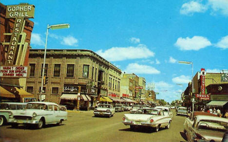Street view, Detroit Lakes Minnesota, 1950's