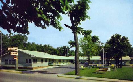 Holiday Haven Motel, Detroit Lakes Minnesota, 1959