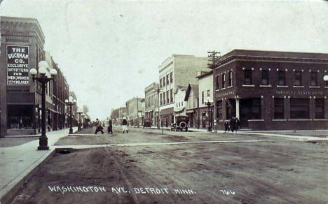 Washington Avenue, Detroit Lakes Minnesota, 1920's?