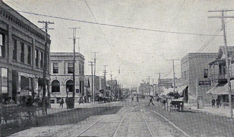 Demers Avenue looking west, East Grand Forks Minnesota, 1907