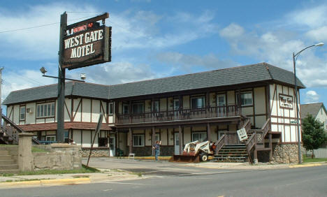 Westgate Motel (now Canoe On Inn), Ely Minnesota, 2005