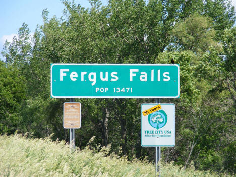 Population sign, Fergus Falls Minnesota, 2008