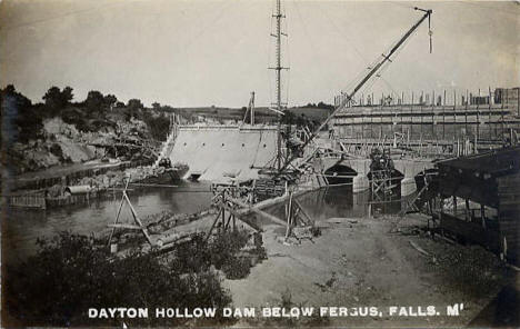 Dayton Hollow Dam being built, Fergus Falls Minnesota, 1909
