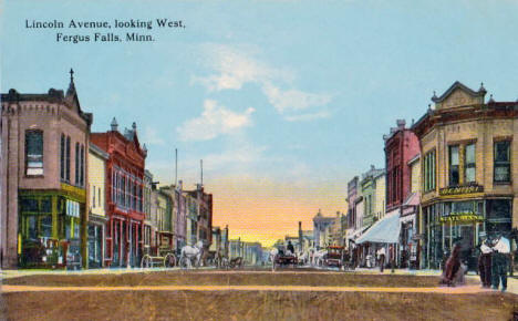 Lincoln Avenue looking west, Fergus Falls Minnesota, 1910's