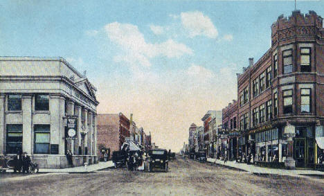 Lincoln Avenue looking East, Fergus Falls Minnesota, 1919