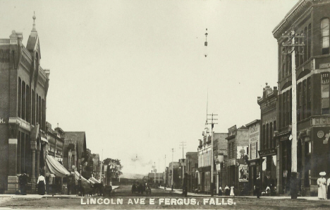 Lincoln Avenue East, Fergus Falls Minnesota, 1910's