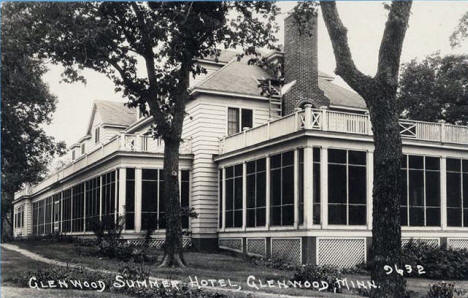 Glenwood Summer Hotel, Glenwood Minnesota, 1940's