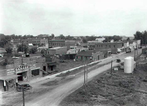 Street scene in Goodhue during the Goodhue Friendship Tour, 1925