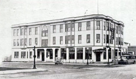 Pokegama Hotel, Grand Rapids Minnesota, 1940