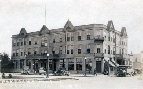 Pokegama Hotel, Grand Rapids Minnesota, 1920's