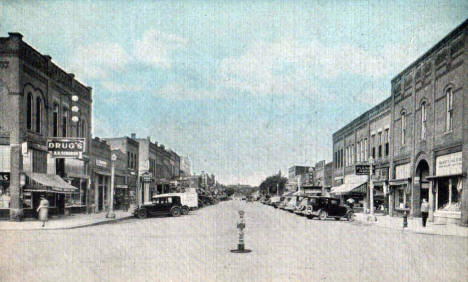 Main Street looking North, Hutchinson Minnesota, 1943