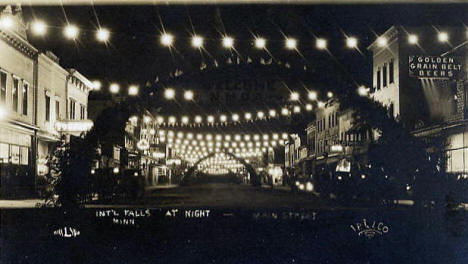 Street scene at night, International Falls Minnesota, 1913