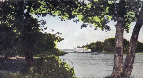 Steamer Sea Gull entering Rainy Lake, International Falls Minnesota, 1908