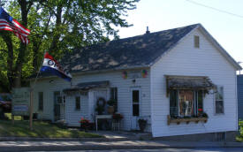 Chickadee Tree Floral & Gifts, Kimball Minnesota