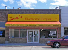 Geno's Electronic Emporium, Le Center Minnesota
