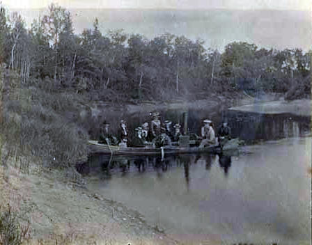 First steamer on the Littlefork River, 1902