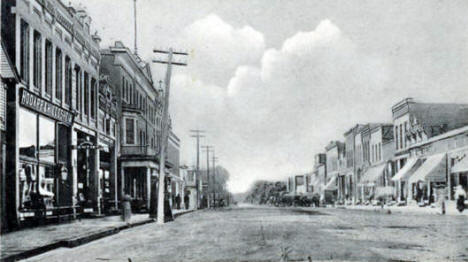 Main Street looking west, Madelia Minnesota, 1913