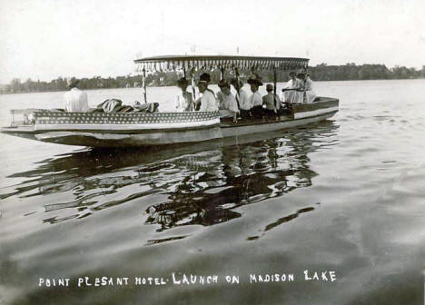 Point Pleasant Hotel Launch on Madison Lake, Madison Lake, Minnesota 1910