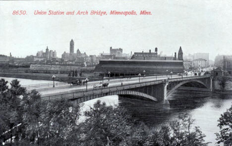 Union Station and Arch Bridge, Minneapolis Minnesota, 1910's