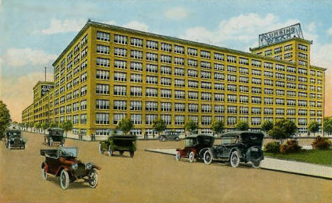 Munsingwear, Western and Lyndale, Minneapolis Minnesota, 1920's