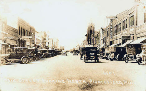 Main Street looking north, Montevideo Minnesota, 1908