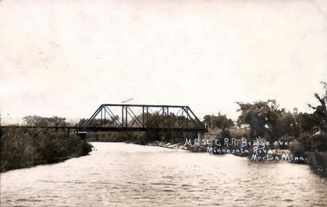 Minneapolis and St. Louis Railroad Bridge over the Minnesota River, Morton Minnesota, 1915