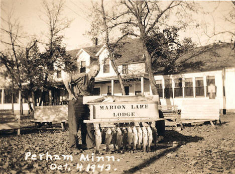 Marion Lake Lodge, Perham Minnesota, 1943