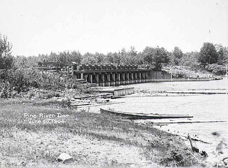 Construction of Pine River Dam site, Cass County, 1904