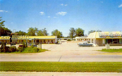Mayfair Motel and Vic's Coffee Shop, Pipestone Minnesota, 1950's